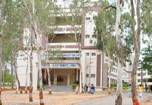 Mba In Biotechnology Colleges In Hyderabad by Best Top Mba Engineering Btech Higher Education Colleges