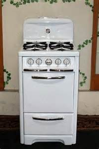 Apartment Size Propane Gas Stove 1000 Images About Vintage Stoves On Stove