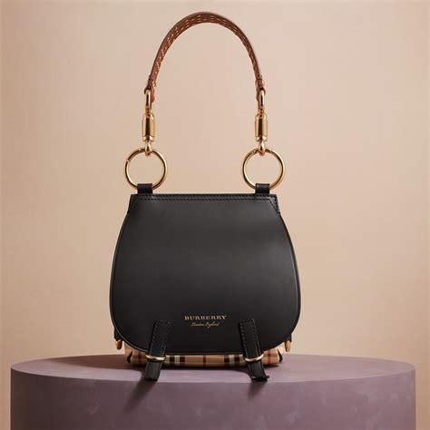 Handbag Burberry D4487 1 the bridle bag in leather haymarket check and alligator