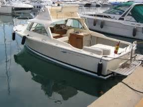 Wood Beam Bench Open Riva Bertram 25 Sports Fisherman Motor Yacht For Sale