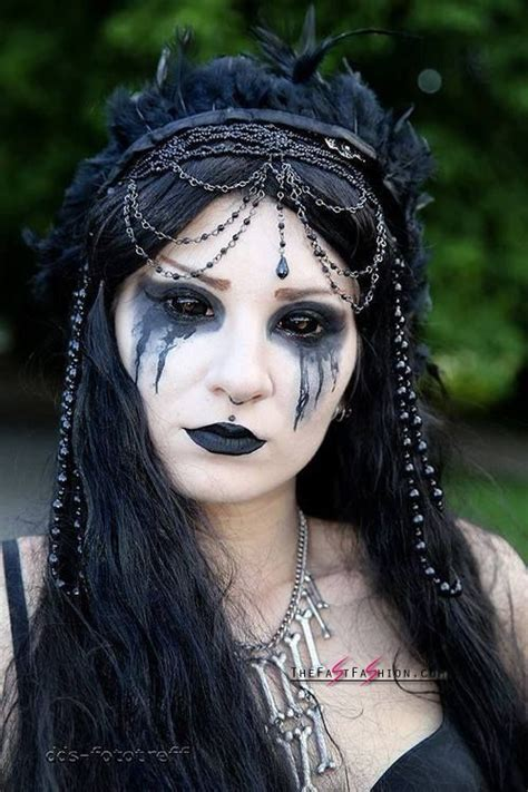 scary colored contacts black colored contacts for a scary look thefastfashion