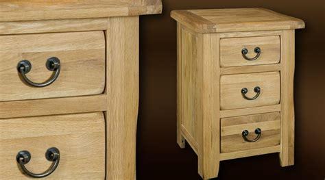 table de nuit deco table de nuit style rustique bois massif