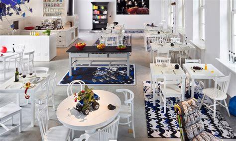 design clothes amsterdam hotspot fashion kabinet hotel droog jade pillar art