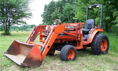 kubota b2400 4x4 compact diesel tractor loader low hrs