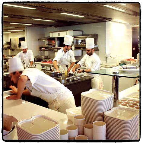la cuisine de grand m鑽e l exp 233 rience d un stagiaire en cuisine dans un restaurant