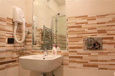 foto di bagni piccoli ristrutturati awesome immagini di bagni ristrutturati wr77 pineglen