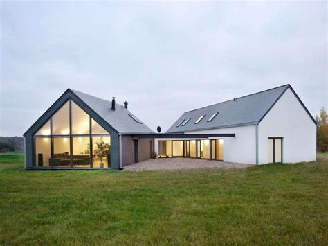Modern Barn House Floor Plans | unique triangle shaped metal home 9 pictures 2 floor