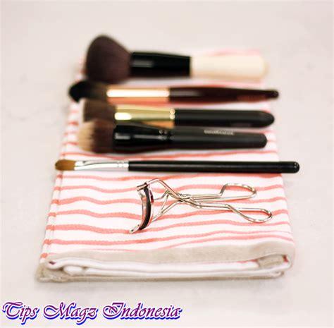 Kuas Alat Make Up cara membersihkan kuas make up dengan baik dan aman