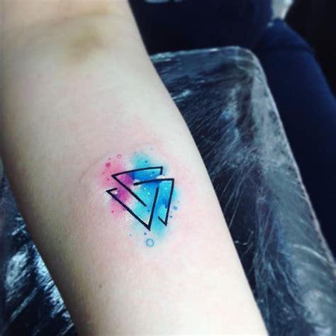 watercolor tattoo kosten tattoos frauen schriftzug handgelenk zwei kleine