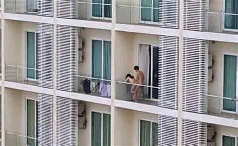 sesso sul terrazzo barzellette net foto coppia che fa sesso sul terrazzo