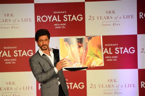 srk biography in hindi shah rukh khan pics shah rukh khan launches his