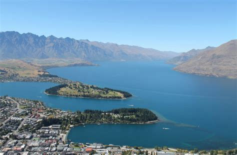 drive queenstown to dunedin queenstown an average town surrounded by remarkable scenery