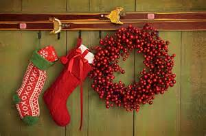 How To Hang Christmas Stockings Without A Fireplace - 5 christmas decorating ideas for apartments without fireplaces apartmentguide com