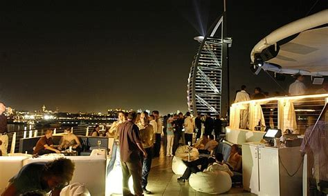 Dubai Top Bars by 10 Best Bars Or Clubs In Dubai To Meet Singles