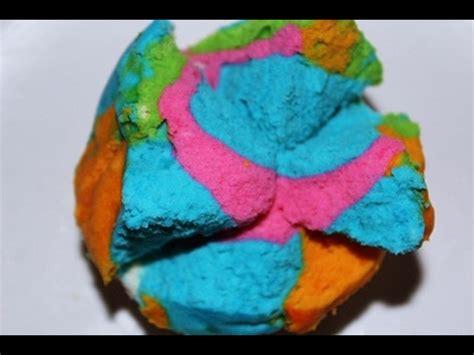 cara membuat bolu rainbow kukus resep dan cara membuat bolu kukus rainbow mekar recipe