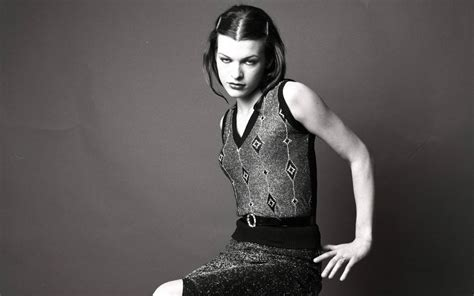 milla jovovich fitness style hot fitness the hot milla jovovich is the revlon
