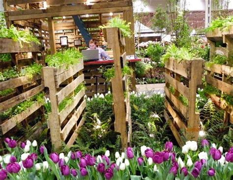 13 pallet vertical garden for beautifying you home - Wooden Pallet Vertical Garden