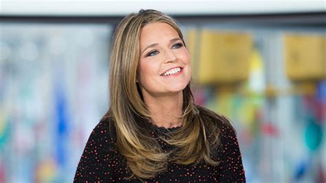 savannah guthrie hairstyle savannah guthrie is back today celebrates her return from