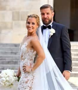 Gerry Hutch Huge Cake Giant Lace Wedding Dress Dominika Cibulkova S