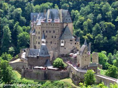 Photo Murals For Walls eltz castle facts explore medieval burg eltz
