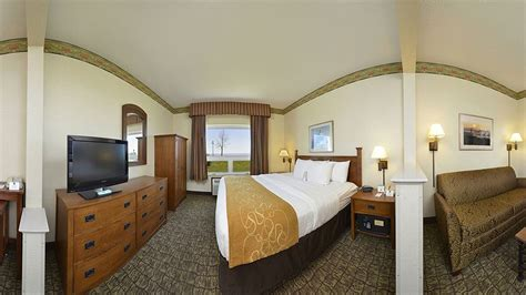 comfort suites canal park comfort suites canal park deals reviews duluth and