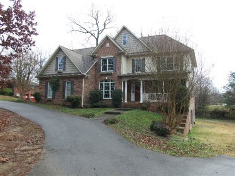 Houses For Sale In Maryville Tn by 408 Broady Ln Maryville Tennessee 37803 Reo Home Details