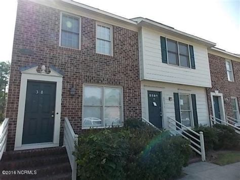 2 Bedroom Houses For Rent In Greenville Sc by Townhouse For Rent In 305 Kristin Drive Greenville Nc
