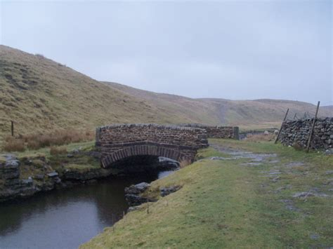 and the pennine way 5 days 90 what could possibly go wrong books boz s trail the pennine way grid 853 722 to hawes