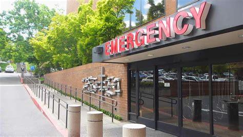 portland emergency room legacy hospital washington circa 2013 hospital entrance exterior with sign reading patient