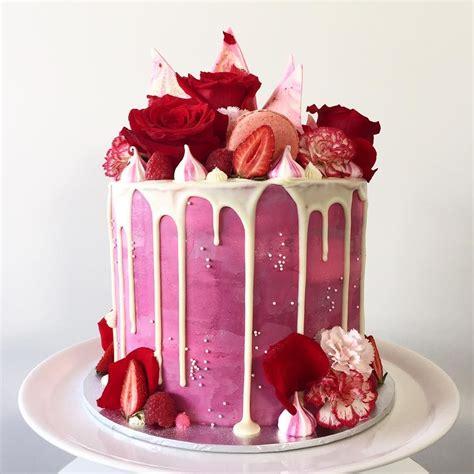 atlottieandbelle amazing drip cakes cake velvet cake birthday cake