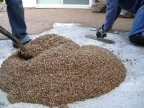 Outdoor Patio Floor Covering by Laying A Pebble Patio How Tos Diy