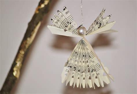 angelitos con periodoco c 243 mo hacer 225 ngel de navidad con papel de peri 243 dico paso a paso