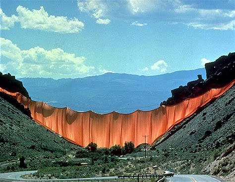 christo and jeanne claude valley curtain jeanne claude 1935 2009 minimal exposition