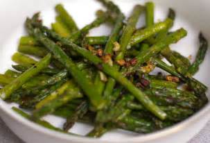 carrie s experimental kitchen garlic roasted asparagus