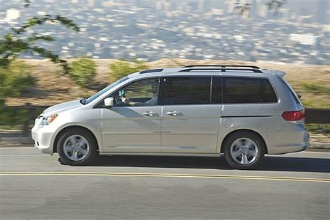 honda or toyota which is better 2005 2010 honda odyssey vs 2004 2010 toyota which