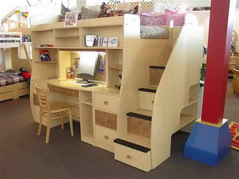 Loft Bed With Underneath by Best 25 Loft Bed Desk Ideas On Bunk Bed With
