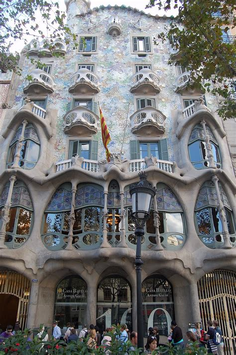 antoni gaudi create your 3791371487 casa batll 243 wikipedia