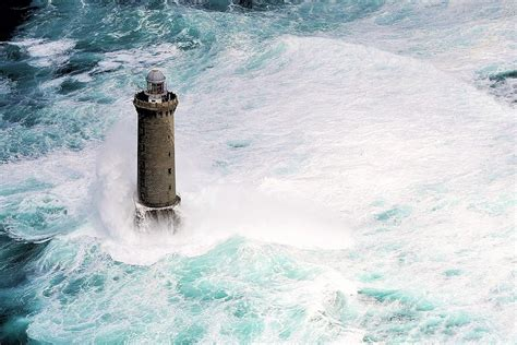 le berger stone won t light lighthouse keepers in france risk their lives tillie s
