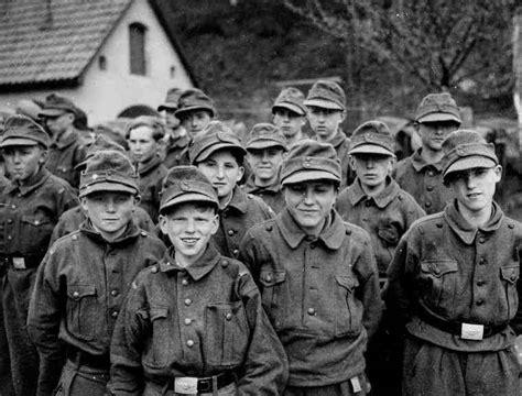 wermacht boy men napletki wehrmacht boys surrender germans ww2 pinterest