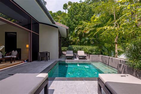 hotel review capella singapore  bedroom garden villa