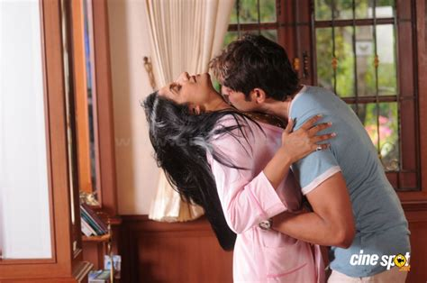 kissing in the bedroom vimala raman hot sexy bedroom unseen hot spicy swimming