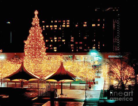 kansas city crown center christmas lights crown center christmas kansas city photograph by gary