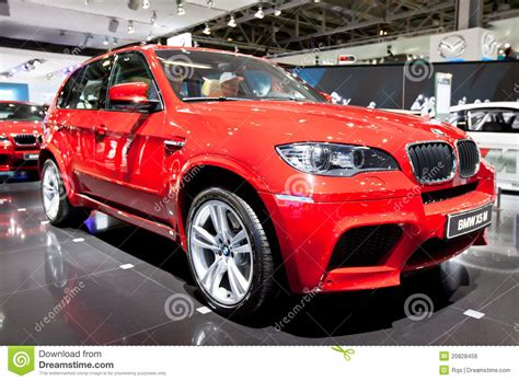 bmw jeep red red jeep car bmw x5 m editorial photo image 20828456