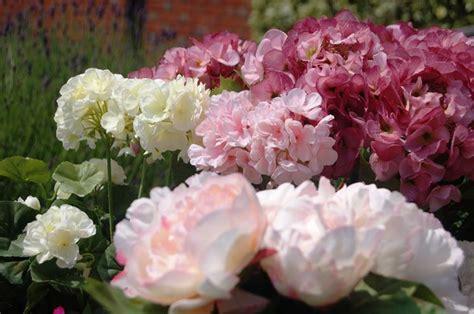 fiori artificiali vendita piante e fiori artificiali piante finte piante e fiori