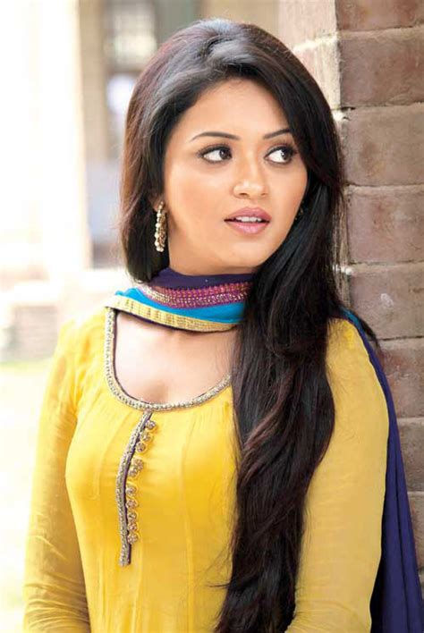 movie actress ragini vijay s thalaiva movie actress ragini nandwani images