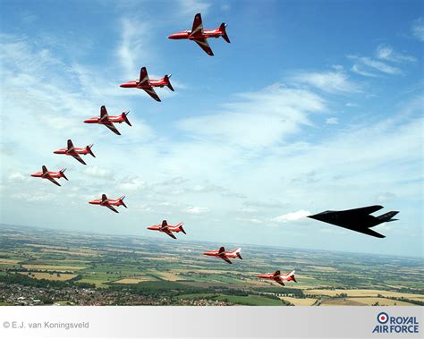 Modern Wallpaper by Raf Red Arrows