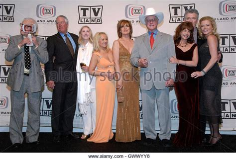 dallas cast new dallas cast members pictures to pin on pinterest