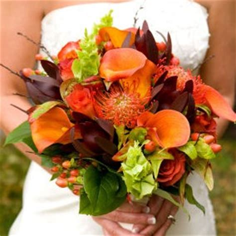 fall flowers in season top 5 flowers in season for your fall wedding