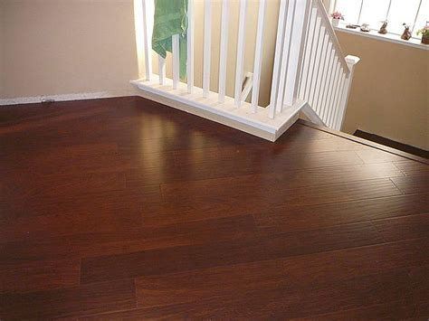 Thomasville Flooring by Thomasville Scraped Rosewood 8 Mm Laminate Floor Jc