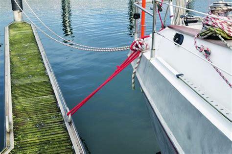 motorboot anlegen in der box bootsleinen skipper bootshandel
